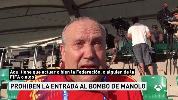 Captura de pantalla, antena3. Manolo, el aficionado español del bombo