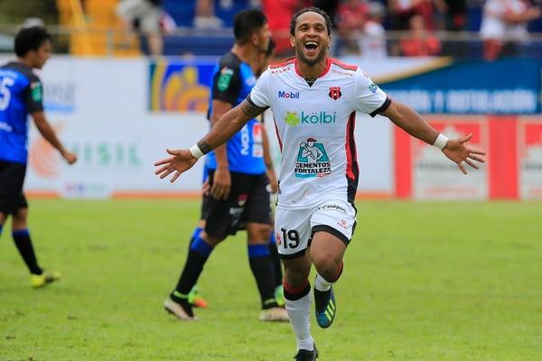 Jonathan McDonald anotó el segundo gol para Alajuelense ante Grecia. Foto: Rafael Pacheco