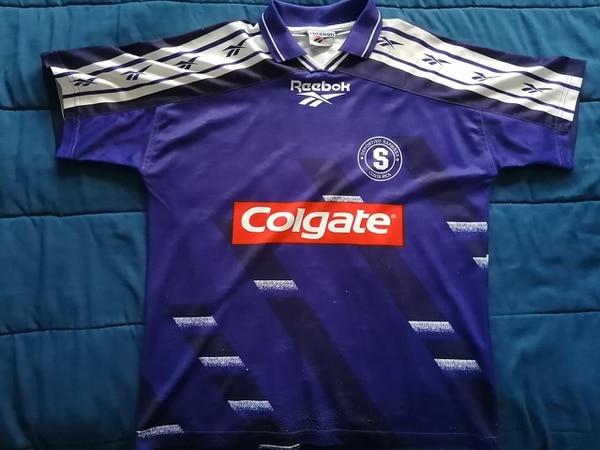 El Saprissa vistió esta indumentaria para la temporada 1996. Foto: Cortesía