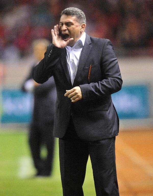 Luis Fernando Suárez desea sellar pronto la clasificiación de Honduras al Mundial.