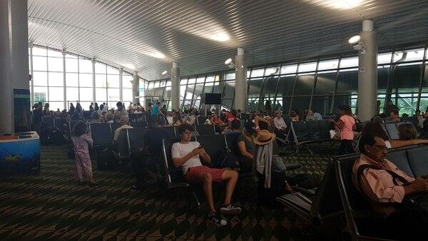 Durante el apagón, los viajeros experimentaron atrasos y dificultad para obtener información sobre sus vuelos.