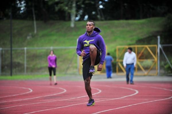 Nery Brenes durante un entrenamiento en el Estadio Ecológico de la Universidad de Costa Rica.