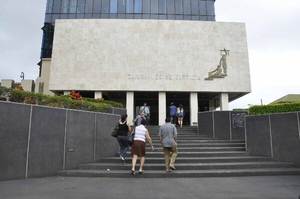 León ha sido funcionaria judicial durante 12 años. La causa por la que se le despidió se inició en el 2010, cuando trabajaba en Alajuela.   ARCHIVO
