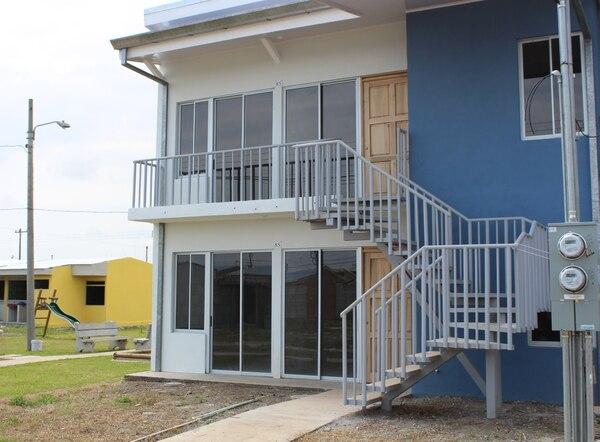 El proyecto La Reseda, en El Roble de Puntarenas, se financió con bonos y otorgó casa a 52 familias. En este cantón se construyeron 311 viviendas nuevas, en el primer semestre del 2019, 19% más respecto al 2018. Foto: Cortesía Banhvi.