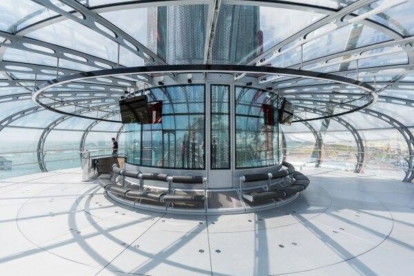 La cápsula de vidrio tiene un ancho de 18 metros.