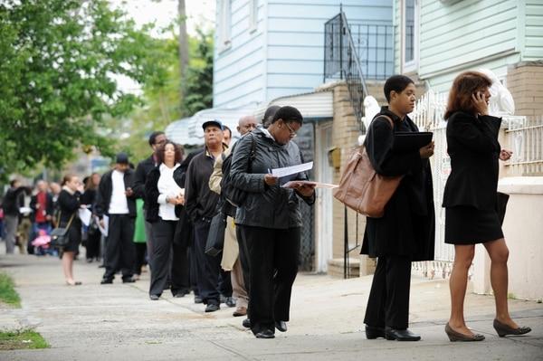 El informe sólo cubre la contratación en el sector privado