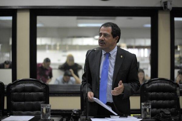 El diputado de Alianza Demócrata, Mario Redondo, dijo que Víctor Morales debe entender que afecta al presidente Solís, con el escándalo generado por sus nexos con el empresario Juan Carlos Bolaños.
