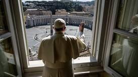 Papa Francisco salió del Vaticano para orar en una basílica de Roma