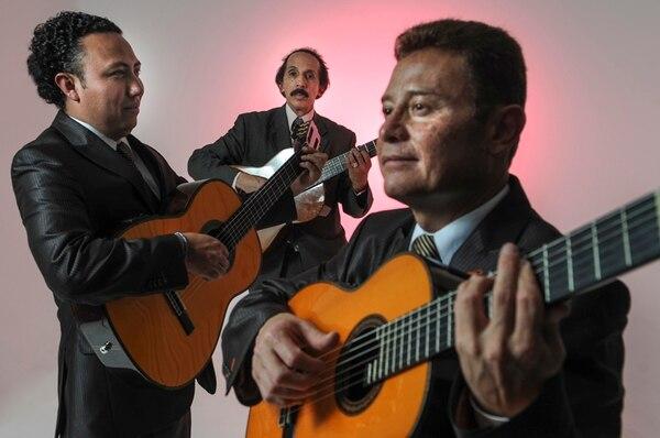 Los Panchos de hoy: | MISAEL REYES, CHUCHO NAVARRO JR. Y EDUARDO BERISTÁIN (DE IZQUIERDA A DERECHA). / FOTOGRAFÍA: GABRIELA TÉLLEZ.