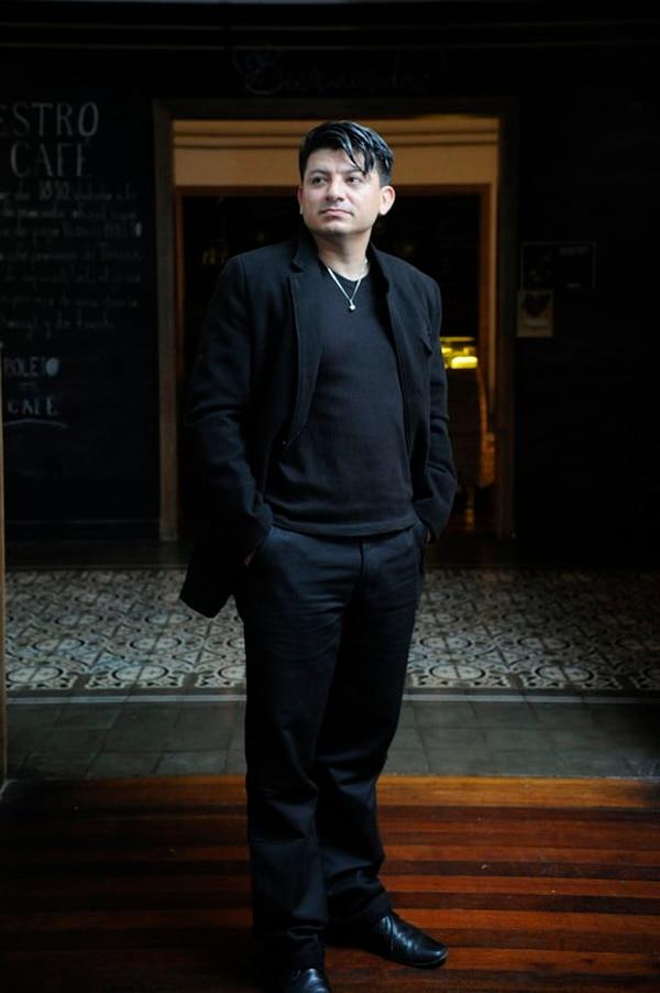 El poeta y narrador costarricense Randall Roque nació en 1977.