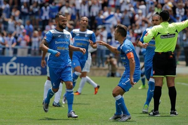 Ricardo Blanco (izq.) tiene acuerdo con Cartaginés para renovar por dos años, mientras que Paolo Jiménez negocia extensión. | MAYELA LÓPEZ