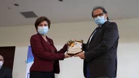 'Padre' de investigaciones del virus del papiloma humano en Costa Rica gana Premio Nacional de Ciencia