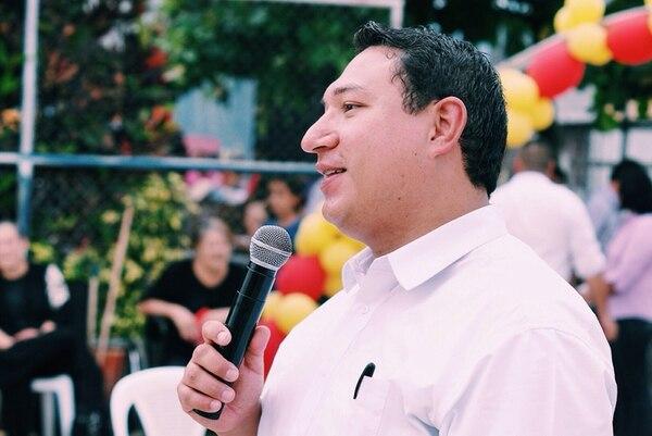 Daguer Hernández, abogado de 30 años, cree que podría ser el primer alcalde josefino que venga del PAC. | ESTEBAN SANTIAGO.