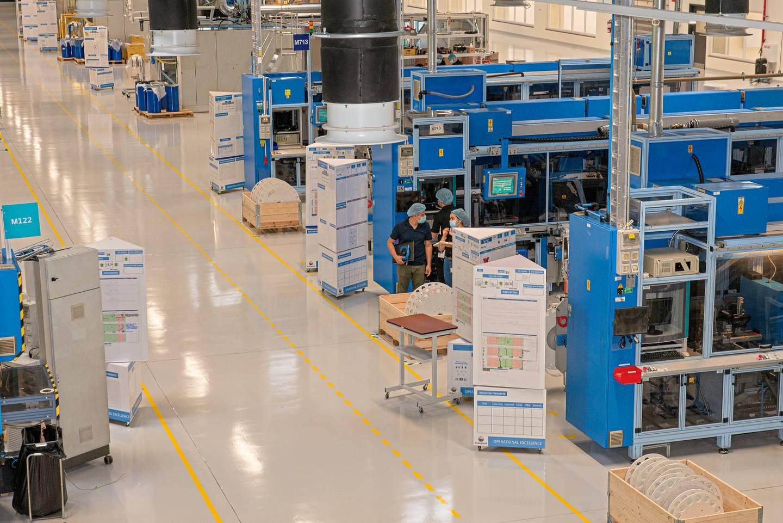 La nueva planta de Coloplast, en Zona Franca la Lima, Cartago, tiene maquinaria a gran escala y procesos de automatización. Foto: Cortesía