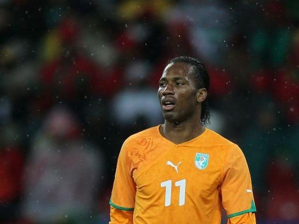 Didier Drogba marcó ayer el segundo gol para Costa de Marfil. Drogba está sin equipo, pues anunció hace poco su salida del Chelsea inglés. | ARCHIVO
