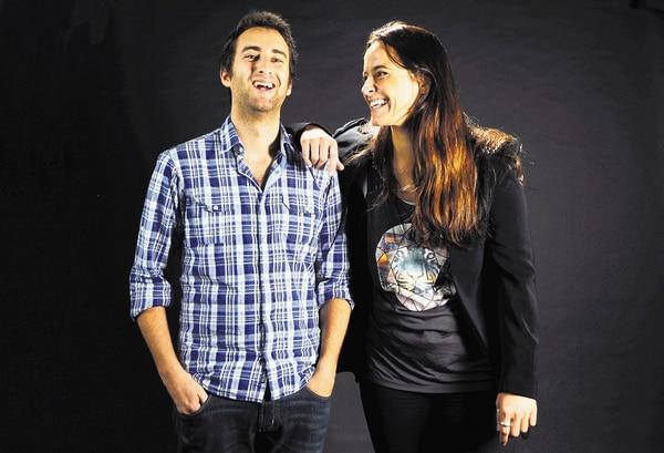 Matthew Caruana y Mariana Santos son los organizadores de estas dos actividades hermanas abiertas a interesados en diversos campos.