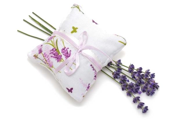 Las almohadas terapéuticas están rellenas de semillas y una combinación de hierbas aromáticas.