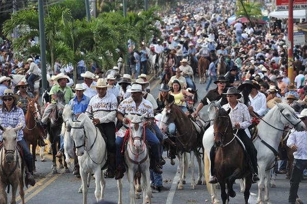Senasa preparó un fuerte operativo para velar por la protección de los caballos que asistan al tope de Palmares este jueves 11 de enero. Fotografía del 2010. Eyleen Vargas.