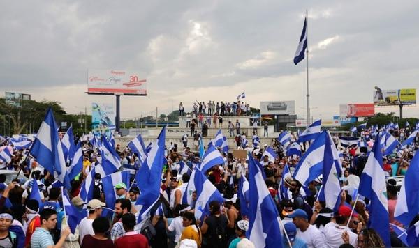 Violenta represión contra las protestas en Nicaragua: hay al menos 15 muertos