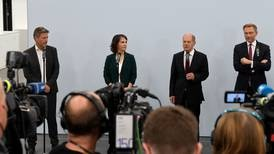 Socialdemócratas, verdes y liberales anuncian acuerdo preliminar para formar gobierno en Alemania