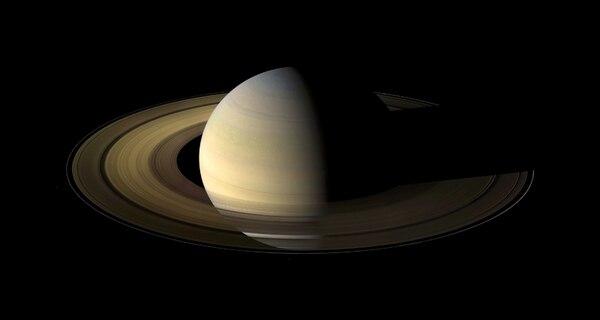 El fenómeno de las tormentas blancas que afectan a Saturno ya se había documentado, pero se desconocía su causa. | CORTESÍA DE NASA