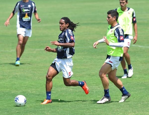 Jonathan McDonald durante un entrenamiento en el Proyecto Gol.