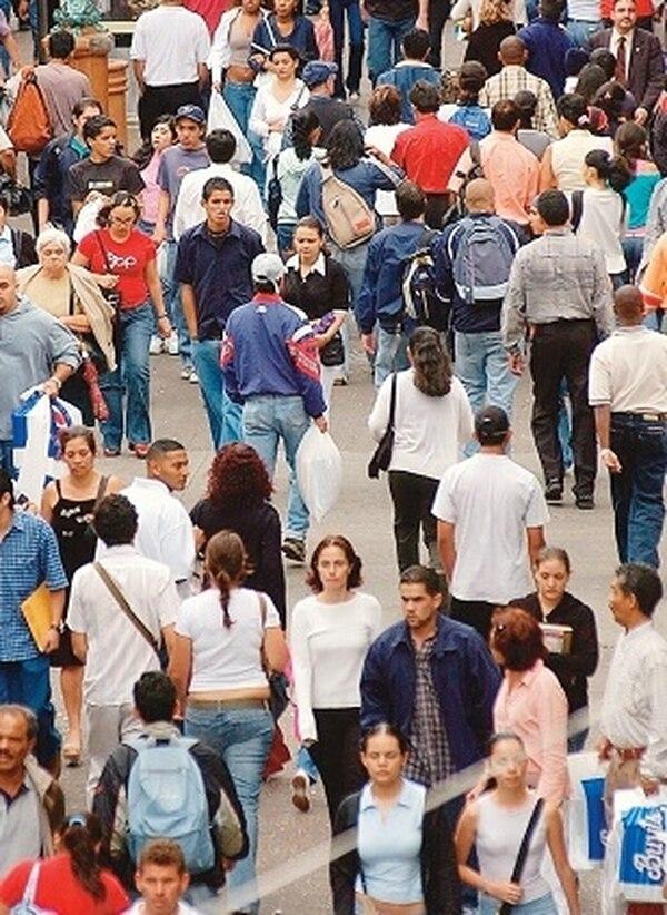 La población mundial podría llegar a casi 11.000 millones a finales de siglo; eso es alrededor de 800 millones más que la proyección anterior de 10,1 millones, emitida en 2011.