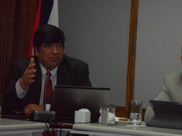 Mario Alvarado, director ejecutivo de Acope, asegura que han tocado puertas y continuarán en esa labor para hallar una forma de no detener la actividad. Foto: Archivo