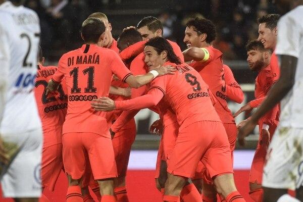 Los jugadores del PSG celebran uno de los goles ante el Amiens. Foto: AFP