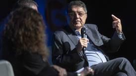 Naufraga vía rápida a ciudadanía de honor para Sergio Ramírez