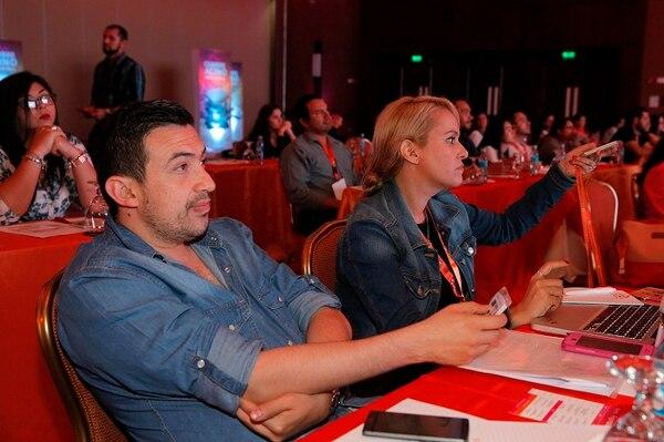 Los asistentes escucharon con detalle las conferencias que fueron interactivas con el público.