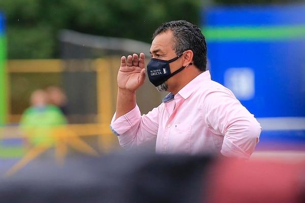 El mexicano Fernando Palomeque solo sumó cuatro puntos al frente del Municipal Grecia. Fotografía: Rafael Pacheco