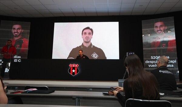 23/07/2020/ Presentación de Bryan Ruiz como nuevo jugador de la Liga Deportiva Alajuelense después de 5.206 días. El gerente deportivo Agustin Leída hace la presentación en la conferencia que se realizó en el entro de alto rendimiento el equipo / Fotografía: John Duran