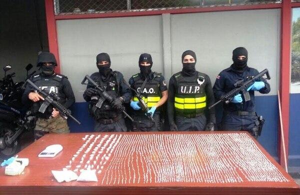 La Fuerza Especial Operativa, de la Fuerza Pública, decomisa 20.600 dosis de crack en en Linda Vista de Río Azul, en el cantón de La Unión, Cartago.
