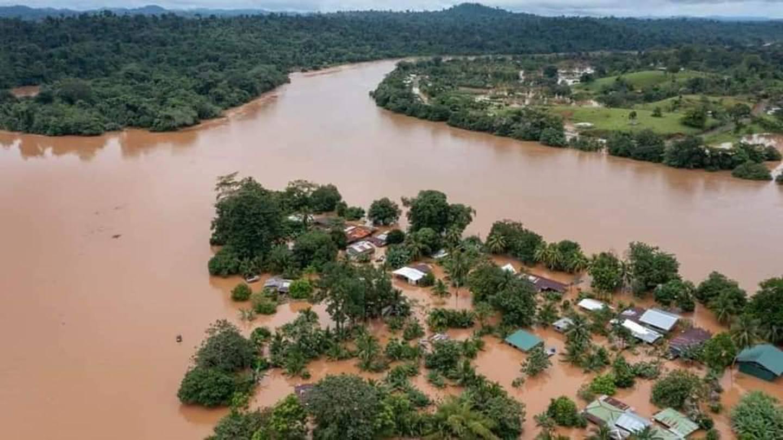 Las lluvias golpearon con mucha fuerza las comunidades de Boca San Carlos, Cureña y Cureñita. Foto tomada del Facebook del hospital San Carlos.