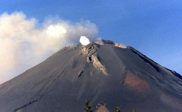 México en alerta tras actividad en volcán Popocatépetl. | ARCHIVO