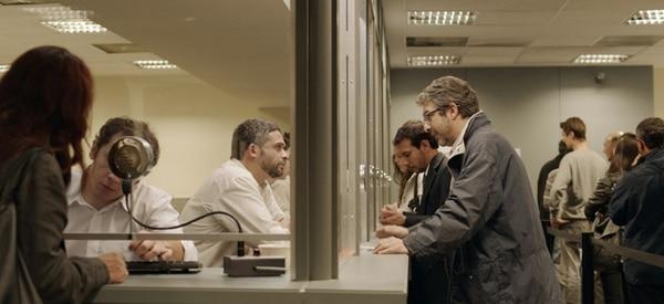 """El actor Ricardo Darín (derecha) interviene en la historia titulada"""" Bombita"""", en la que interpreta al personaje Simón Fisher."""