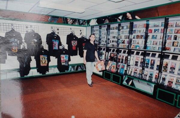 En los años 90, Nápoli tuvo una sede en el centro de San José, a solo unos pasos de la Plaza de la Cultura. Esta foto es de Chico en 1993. Reproducción: Jeffrey Zamora.
