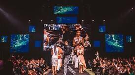 Gráfica: Moda sostenible y tecnológica se lució en desfile de la U Creativa, ¡vea los diseños!