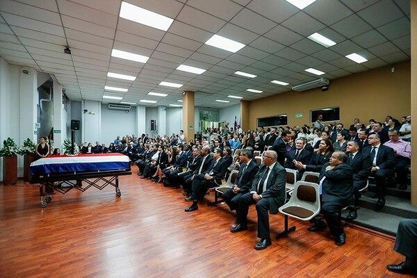 El exmandatario recibió honores funerarios en el Edificio Cooperativo.