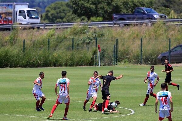 Este viernes se disputó el primer partido de liga menor en el Centro de Alto Rendimiento de Alajuelense en Turrúcares.