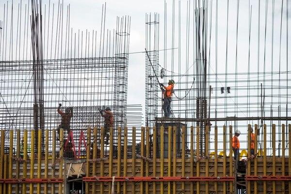 Los proyectos que se concretaron en diciembre, para comenzar entre enero y marzo, dan el panorama más positivo de contratación al sector construcción. Fotografía: Alejandro Gamboa Madrigal