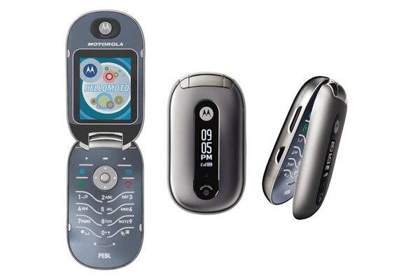 Motorola creía que el Razr era muy masculino, y preparó un segundo modelo, el Pebl, orientado al público femenino. Fuente: Archivo.