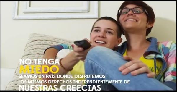 En su nuevo spot de campaña, el candidato presidencial del Frente Amplio, José María Villalta, ofrece políticas igualitarias a las parejas del mismo sexo y a las personas con discapacidad.