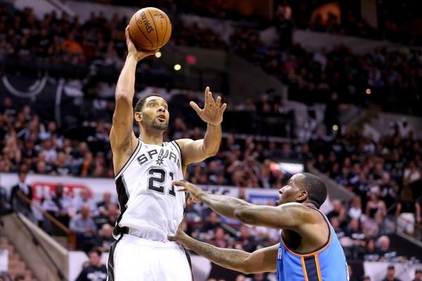 TIm Duncan fue el máximo anotador de su equipo con 27 puntos. Además añadió 7 rebotes y tres asistencias.