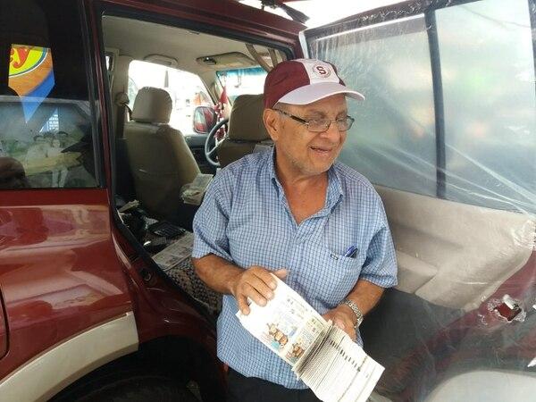 Carlos Sibaja, vendedor desde hace 45 años, es conocido como el chancero más fuerte de San Carlos. Foto: Carlos Hernández.