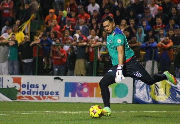 Alfonso Quesada milita con San Carlos.