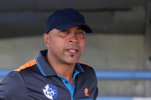 Mauricio Wright no estaría en el banquillo en los juegos contra Alajuelense, Carmelita, As Puma y Saprissa, se mantenerse el castigo. | ARCHIVO