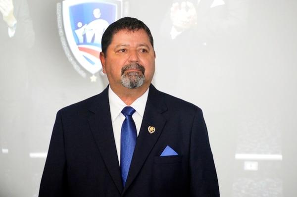 El ministro de Seguridad, Gustavo Mata confirmó la retención de una familia de Grecia.