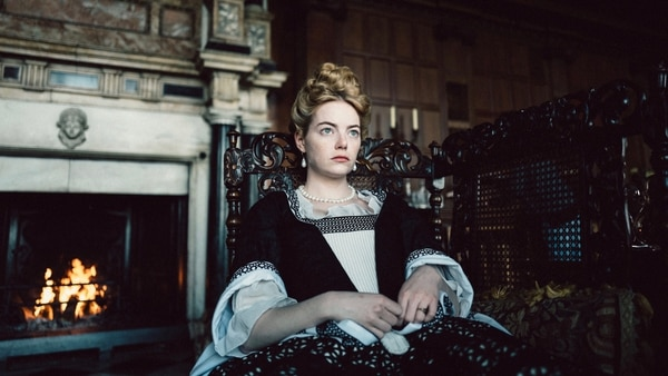 Emma Stone se luce en excelente filme sobre el poder político. Discine para LN.